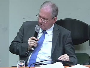 Reitor da USP, Marco Antonio Zago, na CPI da Alesp sobre violação de direitos na universidade (Foto: Reprodução/Alesp)