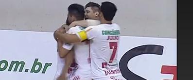 Douglinhas comemora o gol do Concórdia no empate de 1 a 1 com o Corinthians (Foto: Reprodução/TV)