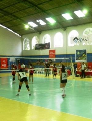 Vôlei infanto-juvenil do Praia Clube durante Jogos de MG, em Juiz de Fora (Foto: Sílvio Azevedo)