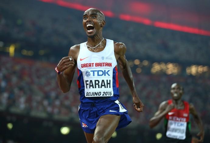 Mo Farah amplia seu reinado nos 10.000m. O semblante de desabafo do britânico na China (Foto: Getty Images)