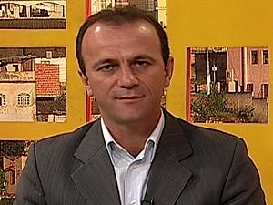 Hélder Salomão, prefeito de Cariacica, prometeu iluminar a Rodovia do Contorno em 2012 (Foto: Reprodução/TV Gazeta)