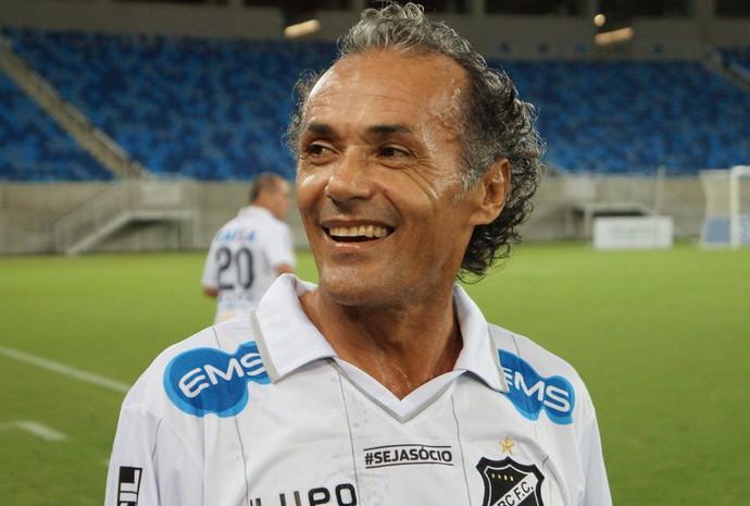 Zinho, ex-Sport, Portuguesa e São Caetano, voltou a vestir a camisa do ABC em amistoso (Foto: Augusto Gomes/GloboEsporte.com)