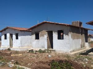 Obras das casas de Sousa começaram em 2006 (Foto: Diogo Almeida/G1)