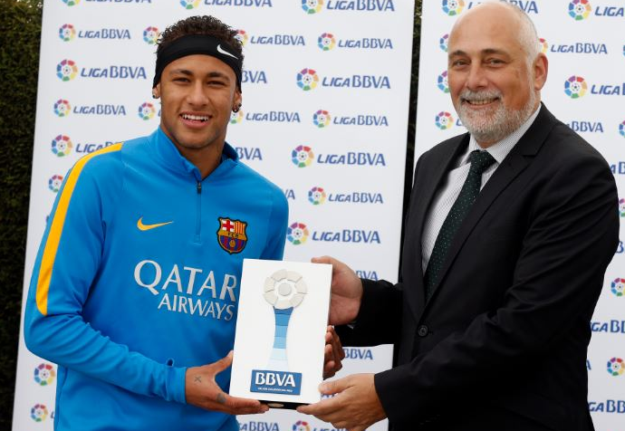 Neymar prêmio melhor jogador Campeonato Espanhol (Foto: Divulgação / Liga BBVA)