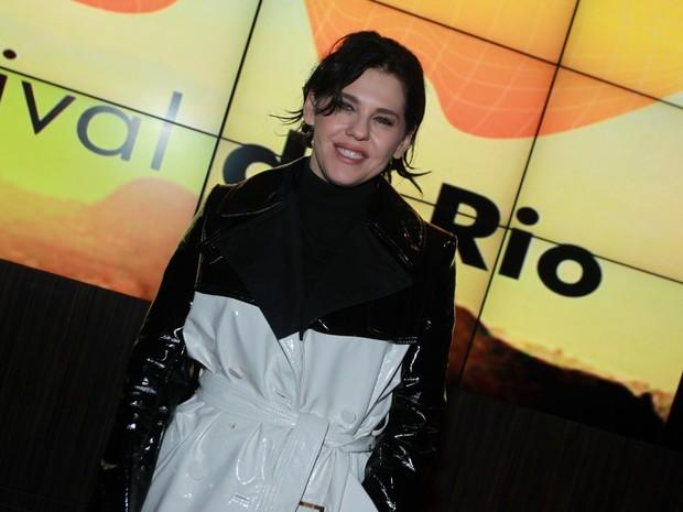 Bárbara Paz em pré-estreia de filme na Zona Sul do Rio (Foto: Marcello Sá Barretto/ Ag. News)