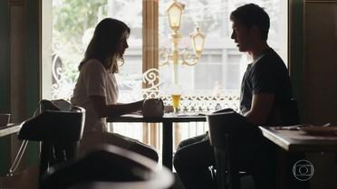 Tônia convida Bruno para tomar um café