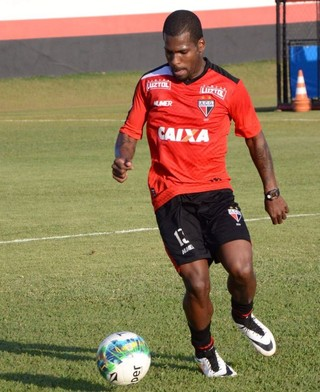 Marquinho - meia do Atlético-GO (Foto: Divulgação / Atlético-GO)
