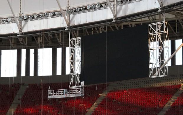 Estádio Mané Garrincha - placar eletrônico (Foto: Fabrício Marques / GLOBOESPORTE.COM)