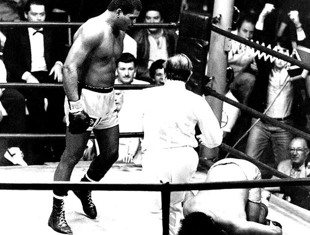 Maguila vence luta de boxe contra Antonio Musladino em 1984 (Claudine