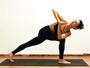 Priscila Steinman, de 'Totalmente Demais', fala dos benefícios da ioga