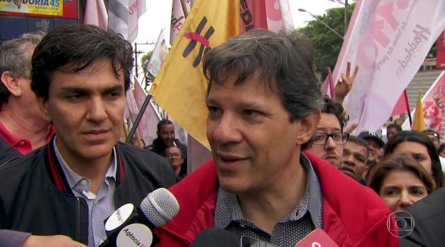 Veja como foi o último dia de campanha de Fernando Haddad, do PT, candidato a prefeito
