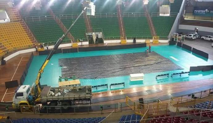 Lâmpadas foram trocadas no Ginásio Poliesportivo Tancredo Neves  (Foto: Rubem Ribeiro/Arquivo pessoal)