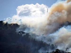 Incêndio atinge Taquaritinga do Norte há 4 dias, dizem bombeiros (Foto: Reprodução/Whatsapp/TV Globo)