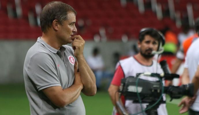 Diego Aguirre comanda Inter contra o Avenida (Foto: Diego Guichard)