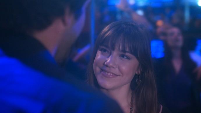 Tiago enxerga Isabela em outra garota  (Foto: TV Globo)