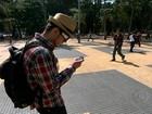 Usar o celular enquanto anda na rua ou dirige pode reduzir 80% da atenção