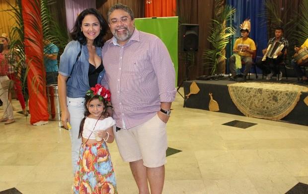 Renato Bagre foi ao arraial acompanhado da família (Foto: Katiúscia Monteiro/ Rede Amazônica)
