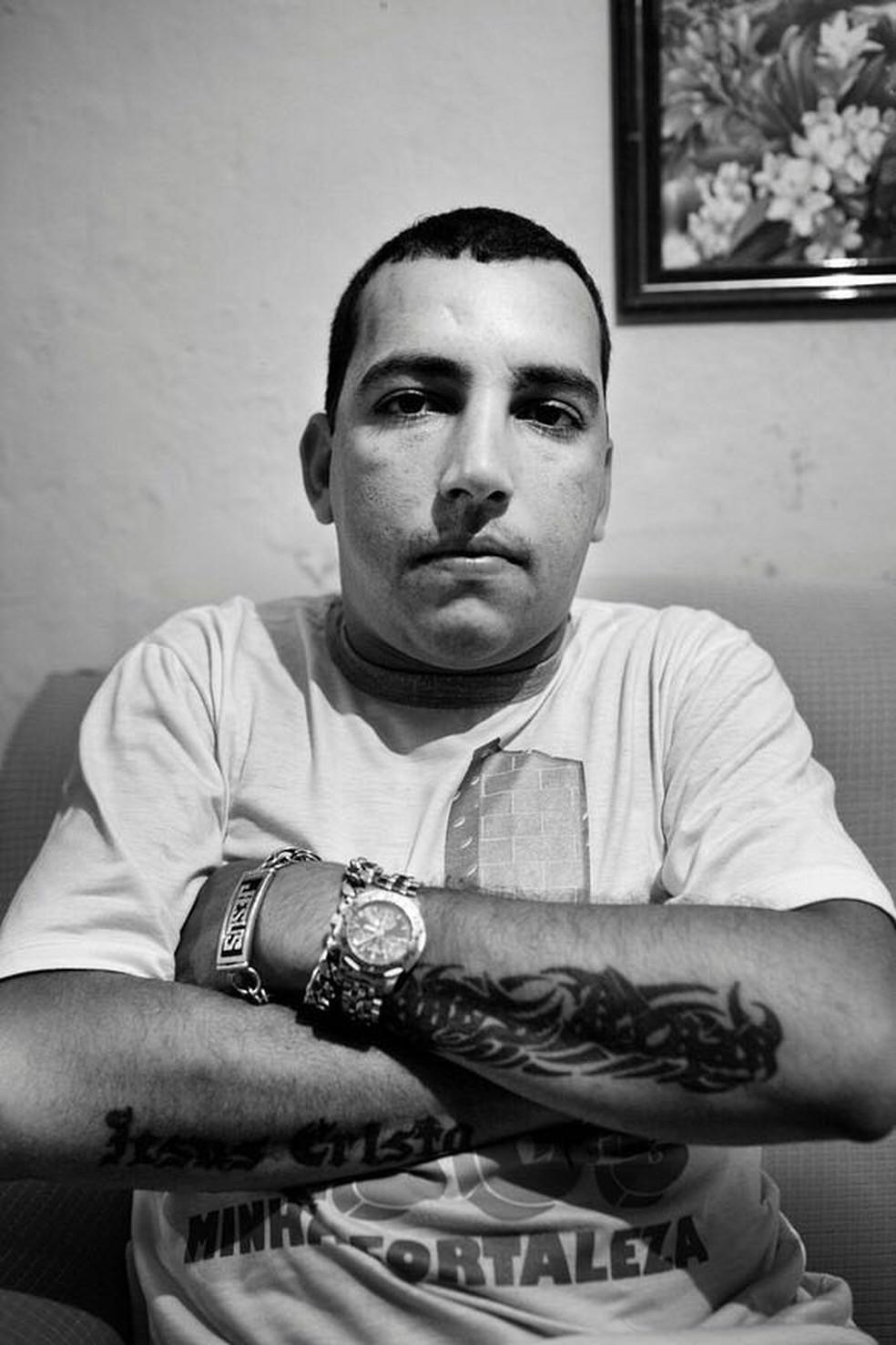 Fernandinho Guarabu está no comando do tráfico da Ilha há 13 anos (Foto: Reprodução)