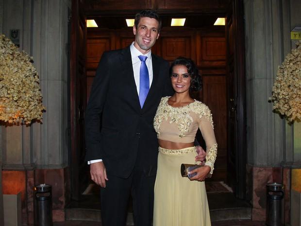 Gustavão com a mulher em casamento em São Paulo (Foto: Manuela Scarpa/ Foto Rio News)
