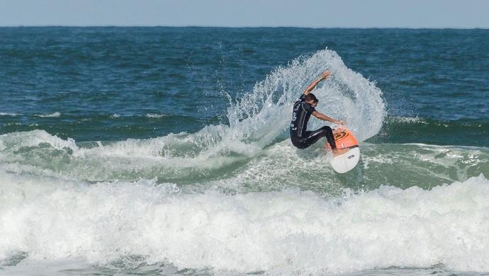 A Tribuna de Surfe Colegial (Foto: Simone Fernandes / FMA)