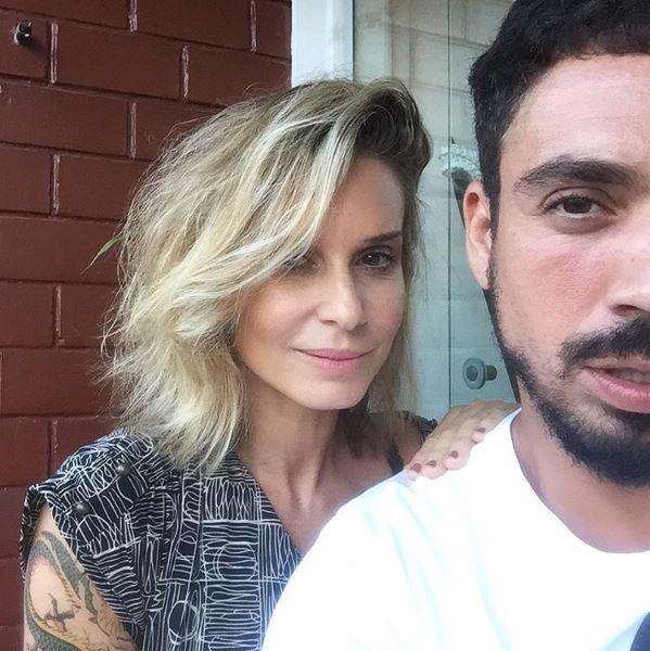 Paula Burlamaqui e o cabeleireiro Felipe Freitas (Foto: Reprodução/Instagram)