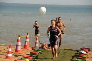 60 atletas participam das provas de natação e corrida (Foto: Valério Zelaya/Divulgação Fundesportes)