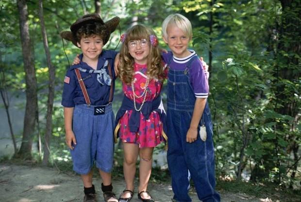 Kellen Hathaway, Amy Sakasitz e Mason Gamble viveram Joey, Margareth e Dennis em Dennis, o Pimentinha (1993) (Foto: Reprodução)