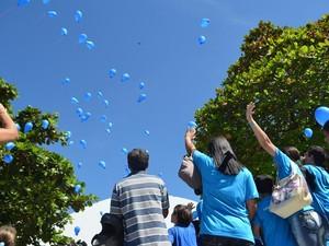 Tema da campanha neste ano é 'Acenda a luz para o autismo' (Foto: Pâmela Fernandes/G1)