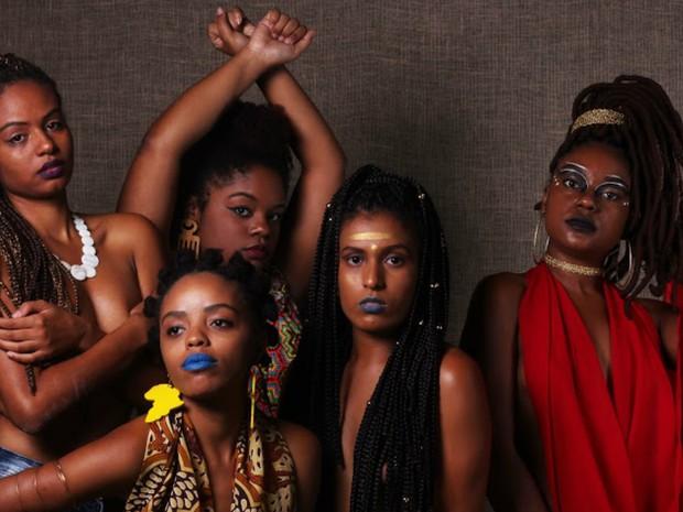Exposição traz o debate sobre o papel do cabelo afro no empoderamento da mulher negra (Foto: Sophia Costa/Aqruivo Pessoal)