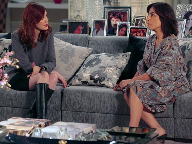 Roberta diz a Veruska que está decidida a assumir a presidência (Foto: Guerra dos Sexos / TV Globo)