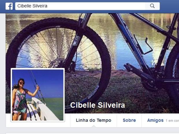 Cibelle foi morta após dupla tentar roubar bicicleta, em Goiânia, Goiás (Foto: Reprodução/Facebook)