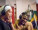 """Ronaldinho Gaúcho canta em apoio a atletas: """"Eu sou do mundo, vencedor"""""""