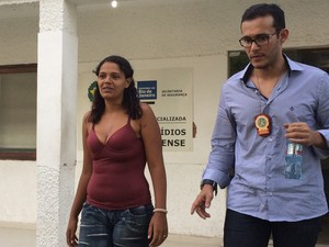 Cíntia é filha de criação de homem que morava com Sailson José das Graças (Foto: Marcelo Elizardo/ G1)