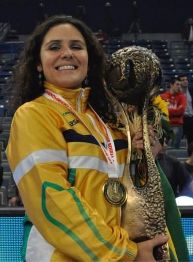 Alessandra Dutra handebol (Foto: Reprodução/Facebook)