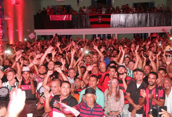 Torcida do Moto Club lotou as dependências da casa de eventos na noite dessa terça-feira (Foto: Biamam Prado / O Estado)