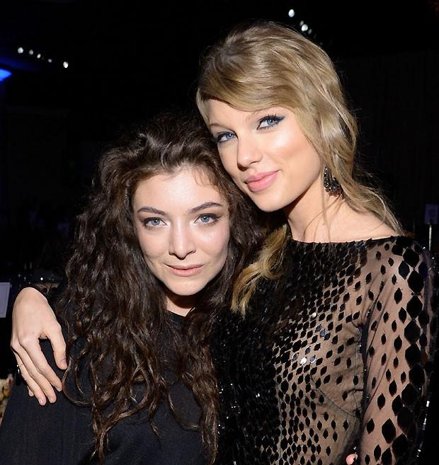 Lorde e Taylor são melhores amigas desde o Grammy 2014 (Foto  Getty Images) bfef7cf5af