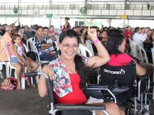 Cadeirante com paralisia cerebral foi uma das sorteadas (Foto: Catarina Costa/G1 PI)