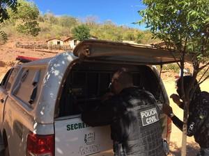 Entre os suspeitos presos estão dois idosos (Foto: Aline Santos/TV Clube)