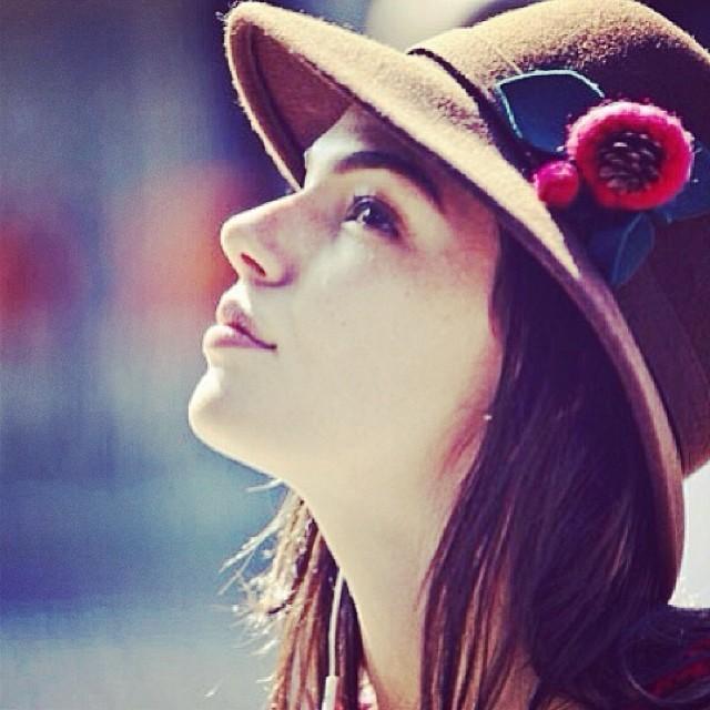 a atriz postou foto de sua personagem em Amores Roubados (Foto: Reprodução)