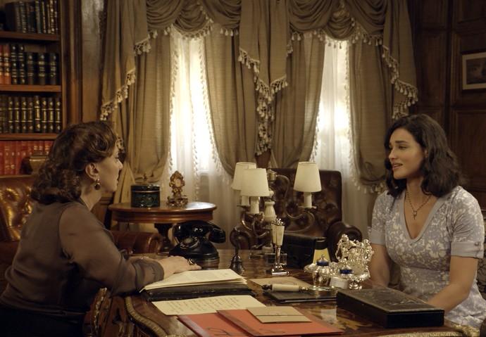 Anastácia e Filomena conversam (Foto: TV Globo)