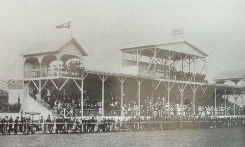 Arena da Baixada 100 anos - 1914 arquibancada (Foto: Arquivo/Tribuna do Paraná)