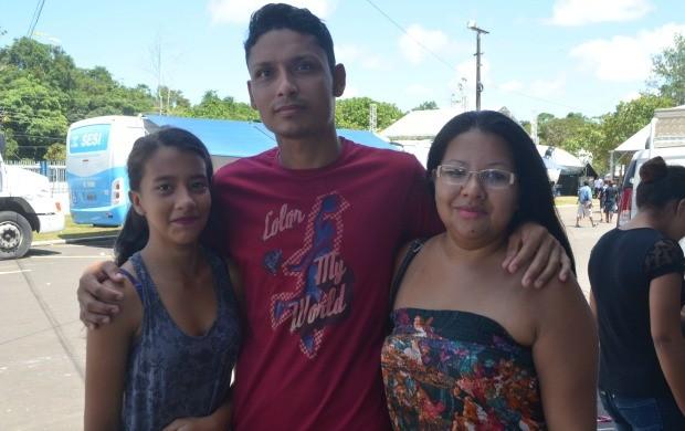 Famínia na 23ª Ação Global em Santana, no Amapá (Foto: Jorge Abreu/Rede Amazônica)