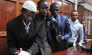 Sobreviventes depõem sobre massacre em universidade no Quênia
