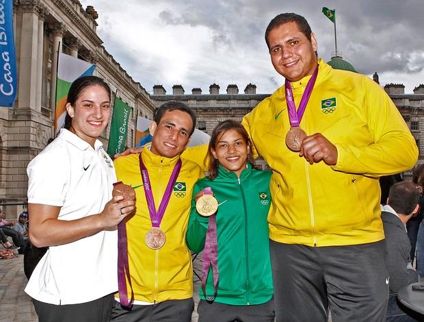 medalhistas brasileiros do Judô na Casa Brasil. (Foto: Leandra Benjamin )