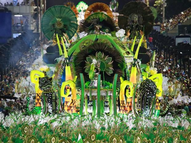 Império Serrano - A escola já desfilou diversas vezes no Grupo Especial e é uma das mais tradicionais do carnaval do Rio de Janeiro (Foto: G1/Rodrigo Gorosito)