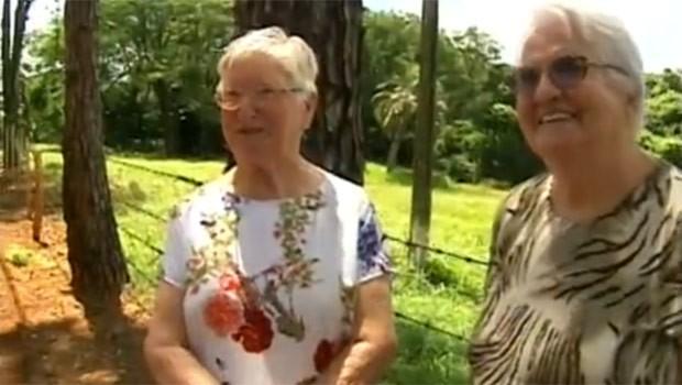 Pioneiras da Vila Shalom visitam, depois de muito tempo, a casa da família (Foto: Reprodução)