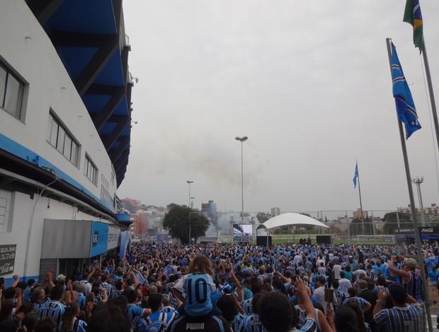 Abraço ao Estádio Olímpico, em Porto Alegre, no aniversário do Grêmio (Foto: Gabriel Cardoso/GLOBOESPORTE.COM)
