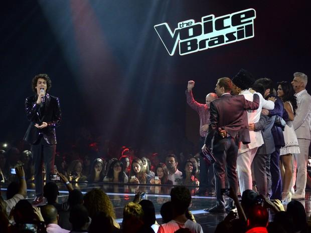 Vencedor,  Sam Alves canta na final do 'The Voice Brasil' (Foto: Roberto Teixeira/ EGO)