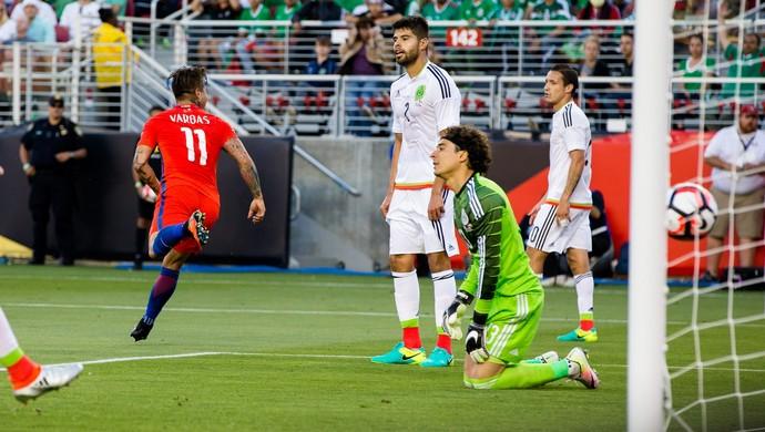 Vargas Ochoa Chile México Copa América (Foto: Reuters)