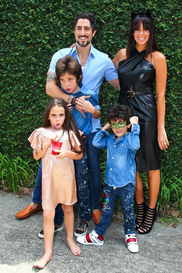 Marcos Mion e a família no aniversário do caçula (Foto: Manuela Scarpa/PhotoRio News)